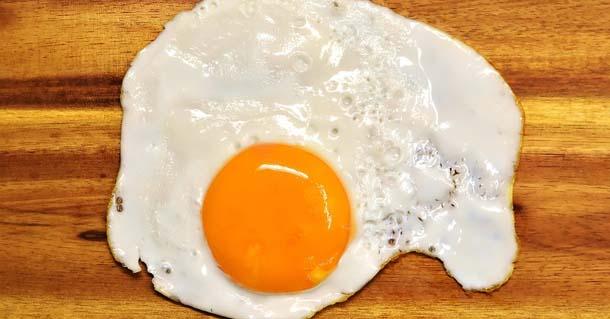 Tyúktojás (fehérje) kalória, fehérje, zsír, szénhidrát..