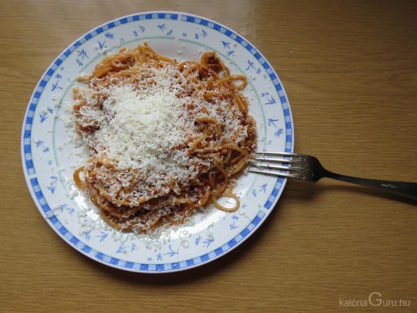Bolognai spagetti recept - Receptek kalóriaértékekkel