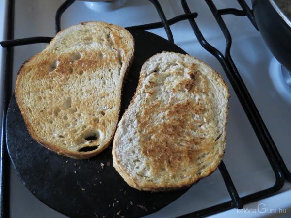 Piritós kenyér recept - Receptek kalóriaértékekkel